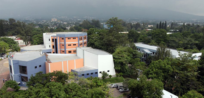 Universidad El Salvador